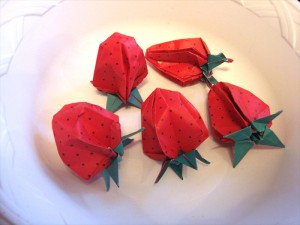 折り紙 いちご